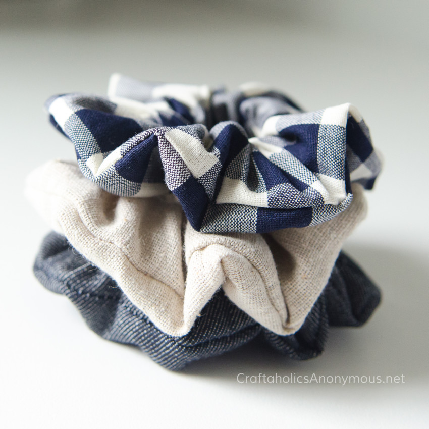 DIY Scrunchies tutorial :: Make your own scrunchies! Craftaholics Anonymous