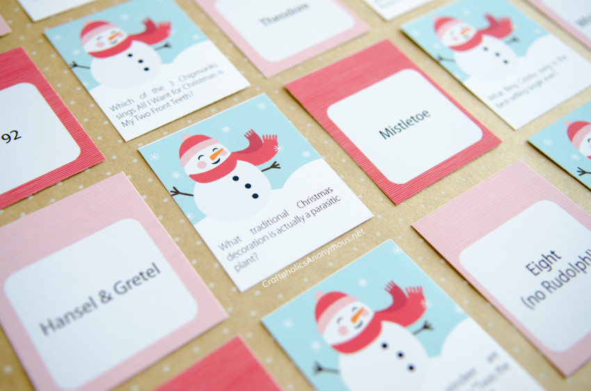 Printable Christmas Trivia Game cards :: Group entertainment, ice breaker for kids and adults. Christmas party idea