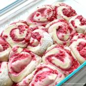 raspberry-sweet-rolls-recipe2